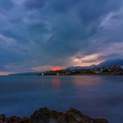 Sonnenaufgang über dem Strand von Stalida
