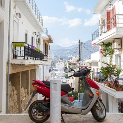Straßenszene In Agios Nikolaos, Kreta