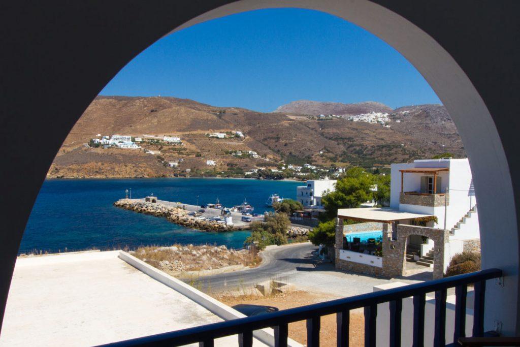 Blick auf die Mole von Aegiali, Amorgos