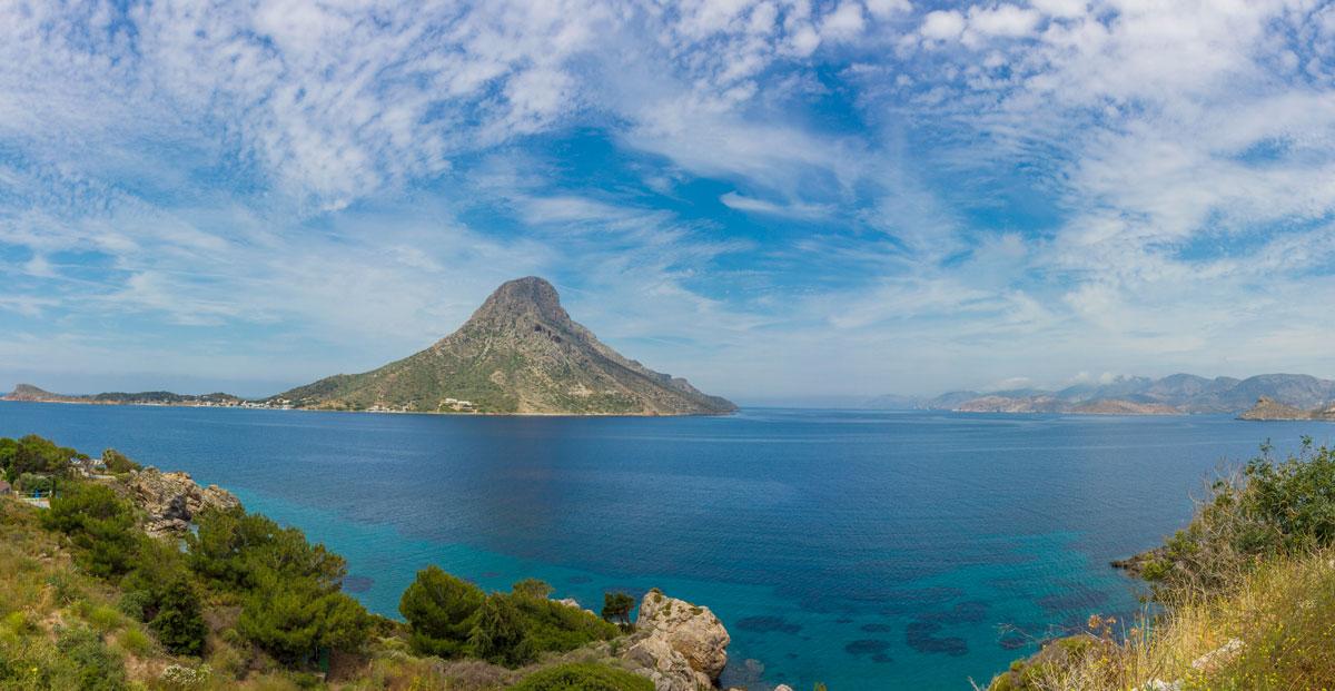 Blick von Masouri über die Bucht zur Insel Telendos