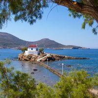Die Kapelle Agios Isidoros in der Bucht von Gourna, Leros