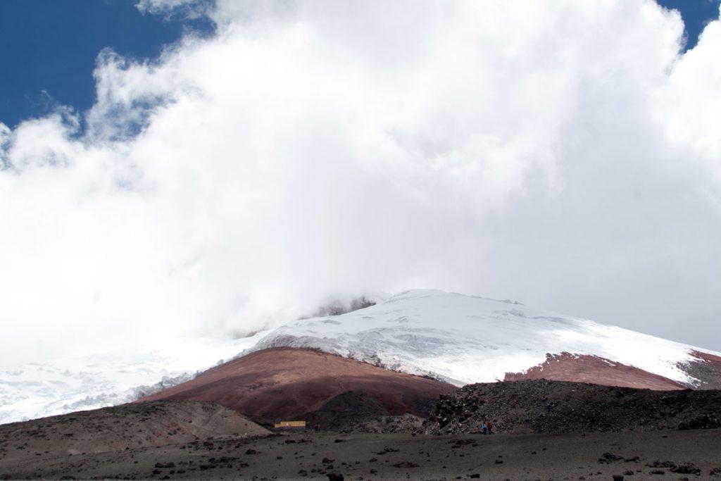 Der Gipfel des Cotopaxi in den Wolken