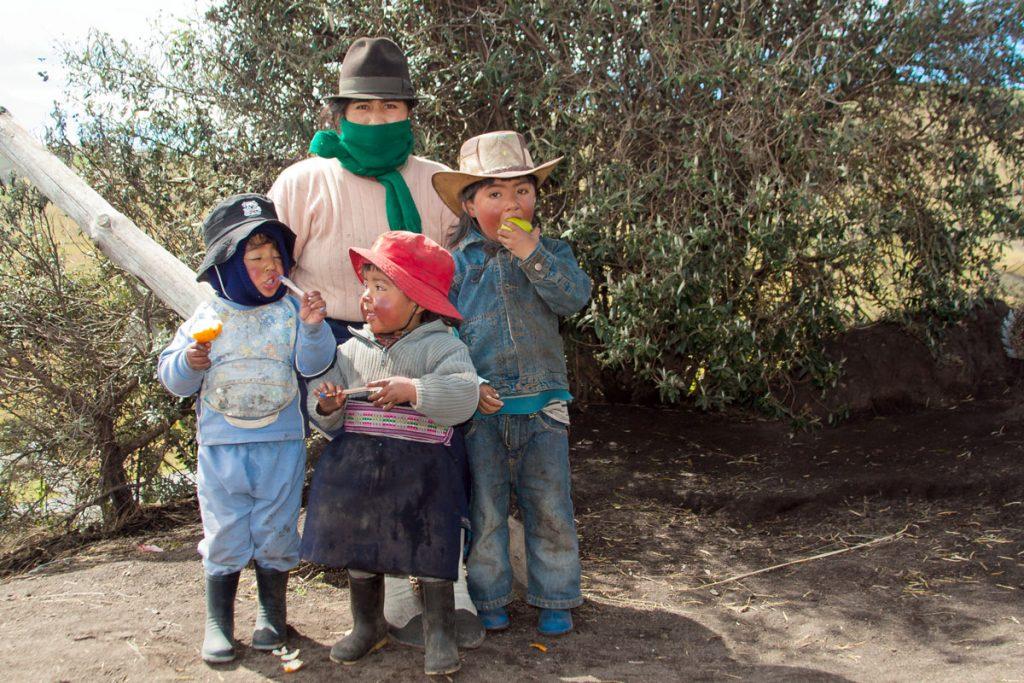 Familie in Zumbahua, Ecuador