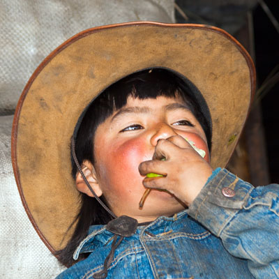 Junge in Zumbahua, Ecuador