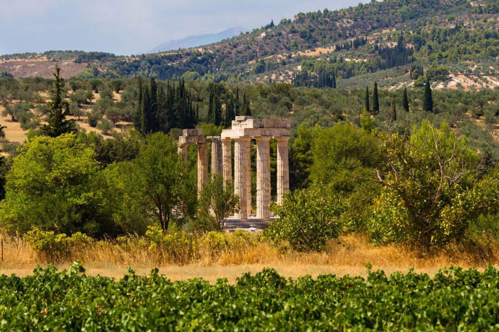 Tempel im Weinanbaugebiet vom Antiken Nemea, Griechenland
