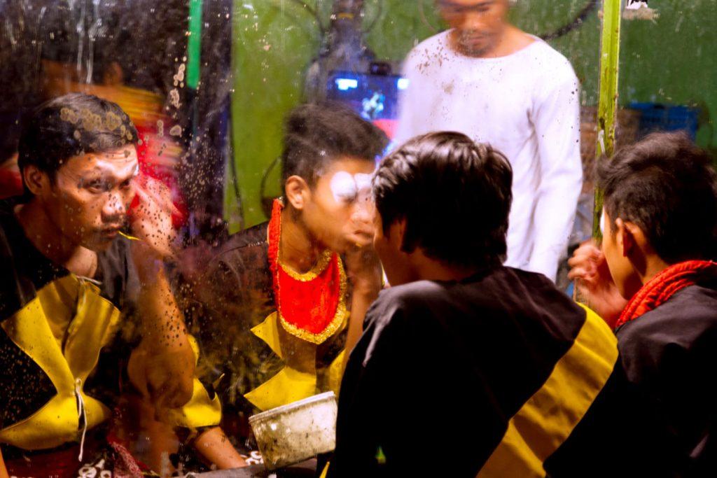 Künstler des Ramayana Ballet in Yogyakarta bei der Vorbereitung
