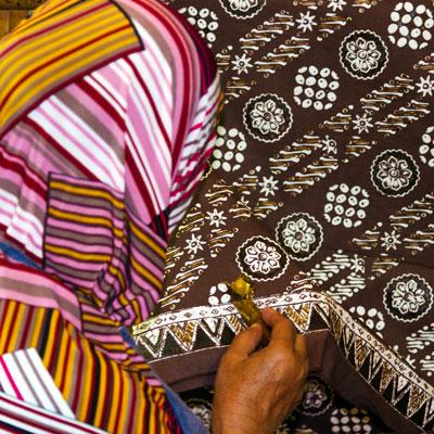 Handwerkskunst im Viertel Mantrijeron in Yogyakarta auf Java