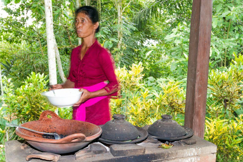 Frau im Bagus Agro Pelaga auf Bali
