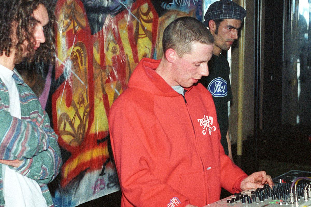 DJ Studio 17 aus Dresden beim Hip Hop Konzert der Crazy Force Crew