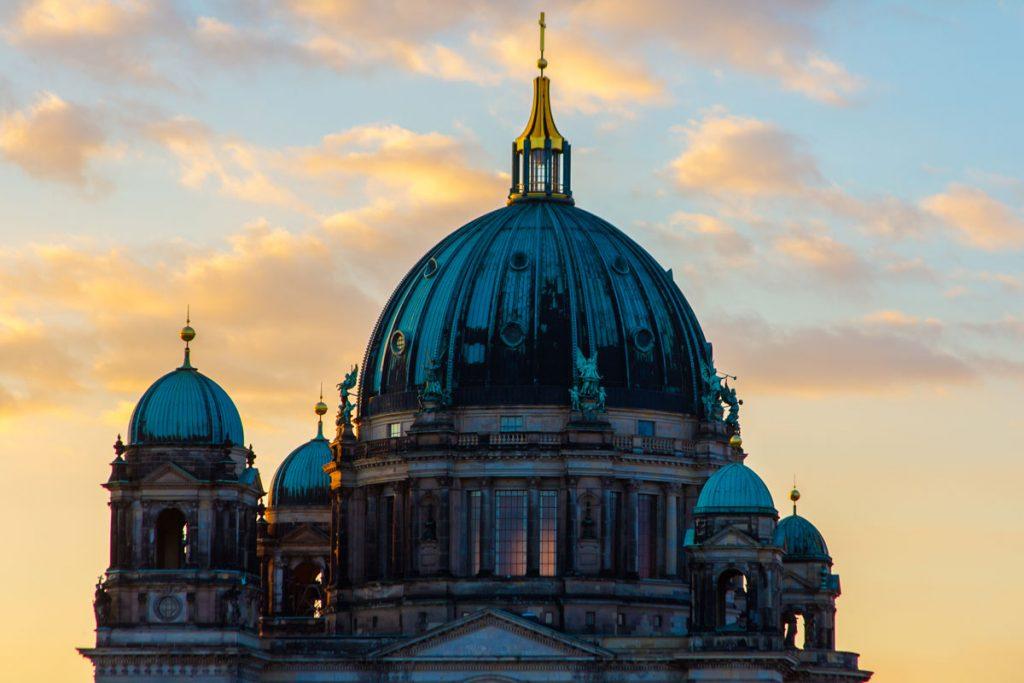 Der Berliner Dom im Abendlicht