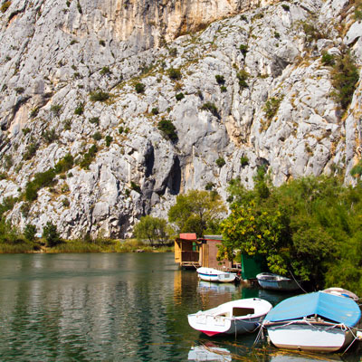 Tal des Flusses Cetina, Omis, Kroatien