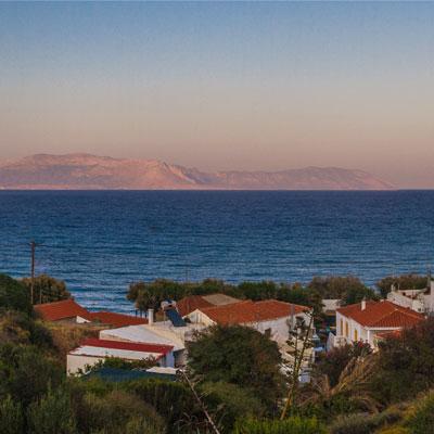 Panoramablick von Aghia Pelagia (Kythira) zum Peloponnes